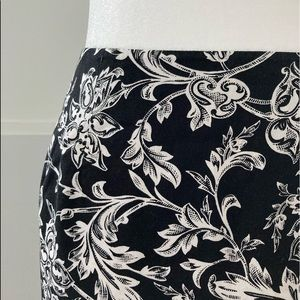 Talbots black & white patterned skirt